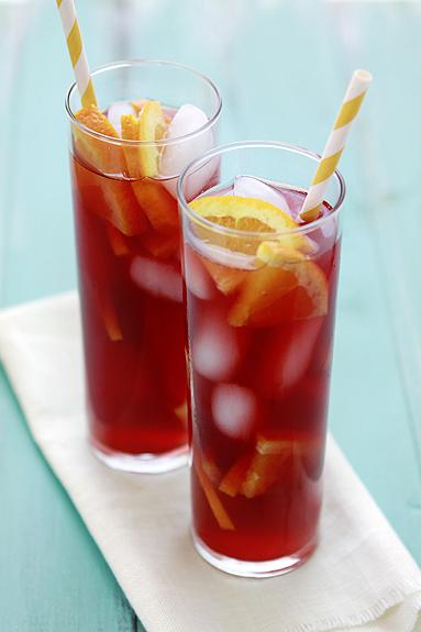 Mandarinen-Himbeer-Eistee