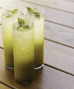 Eistee selber machen mit grünem Tee
