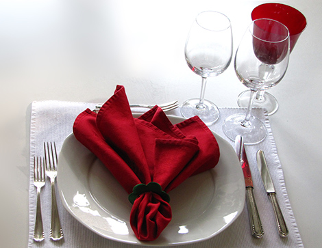 servietten falten zu ostern zur hochzeit und zu anderen feierlichkeiten kreativliste. Black Bedroom Furniture Sets. Home Design Ideas