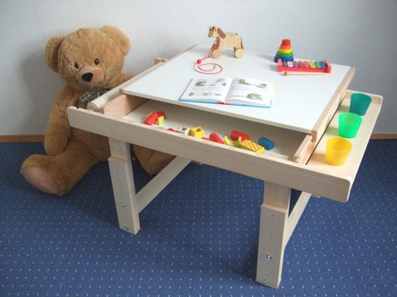 geschenk f r kinder mitwachsender holztisch zum basteln und malen. Black Bedroom Furniture Sets. Home Design Ideas