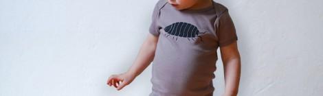 Kindersachen mit niedlichen Motiven im Siebdruck gefertigt