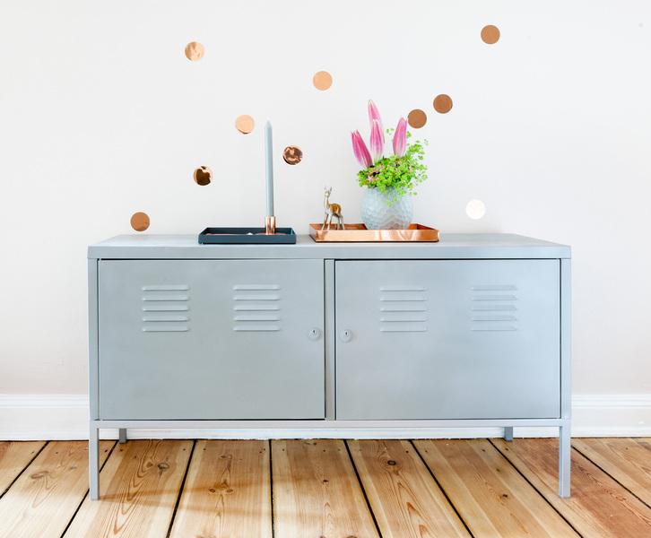 wandtatoos in runder form und kupferoptik bringen eleganz. Black Bedroom Furniture Sets. Home Design Ideas