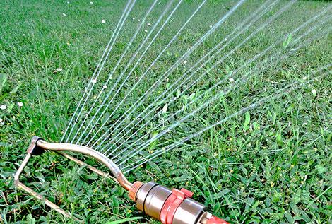 Gartentechnik einsetzen und Arbeit sparen