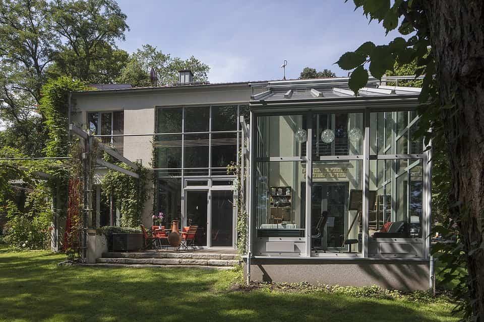 Wintergarten bauen für viel Sonne im Haus