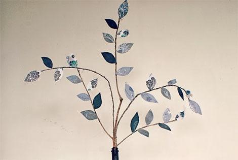 Bastelideen aus Papier - Dekorative Blätter an Zweigen