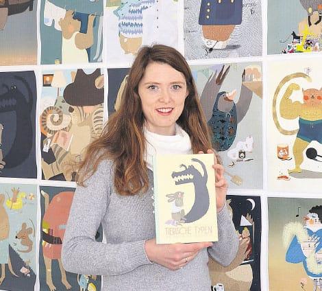 Maria Zumholz zeigt ihr Buch