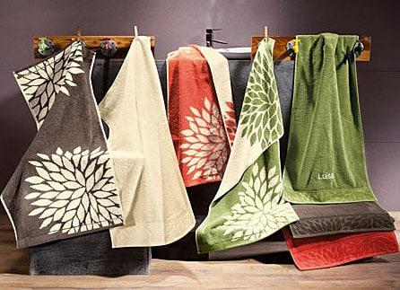 handt cher passend zum baddesign w hlen und bequem online bestellen. Black Bedroom Furniture Sets. Home Design Ideas