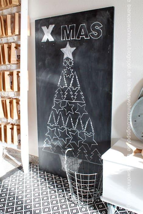 Weihnachtsbaum auf Tafel malen