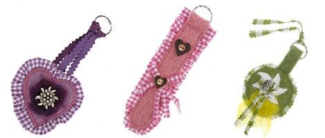 Schlüsselanhänger im Bayern-Look gibt es in vielen Formen und Farben