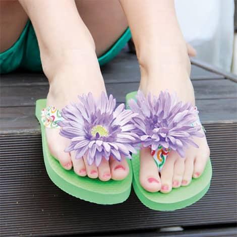 Flip-Flops mit Blüte