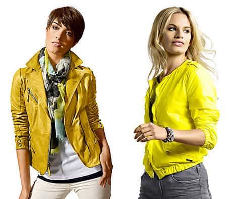 Trendfarbe gelb finden wir auch bei Jacken
