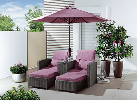 Sofabett mit Sonnenschirm© www.brigitte-hachenburg.de