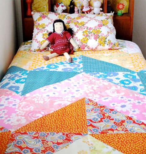 patchwork ideen wie stifte etui und tagesdecke zum. Black Bedroom Furniture Sets. Home Design Ideas