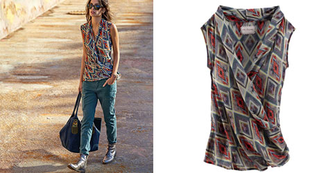 MRS. FOXWORTHY Chiffon-Bluse mit allover Ethno-Print und Wickeleffekt vorne, um 90 €