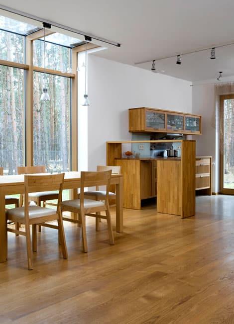 Massivholzmöbel passen heute in jede moderne Wohnung