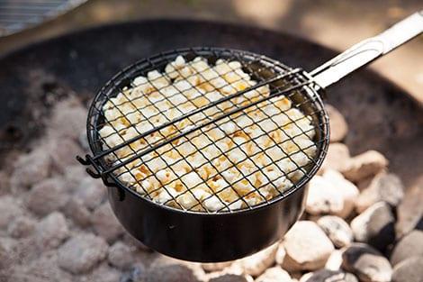 Popcorn-Pfanne für den Grill und das Lagerfeuer