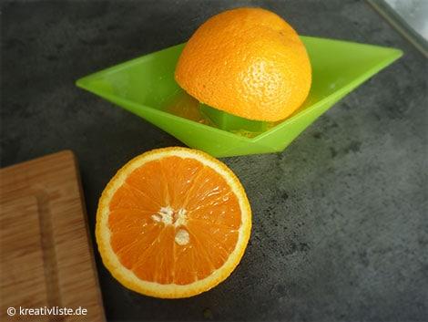 Frischer Orangensaft harmoniert sehr gut mit Balsamico-Essig