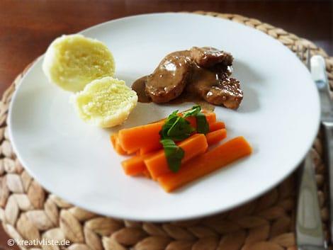 Zum Schweinefilet in Balsamico-Orangen-Sauce passt ein Rotwein