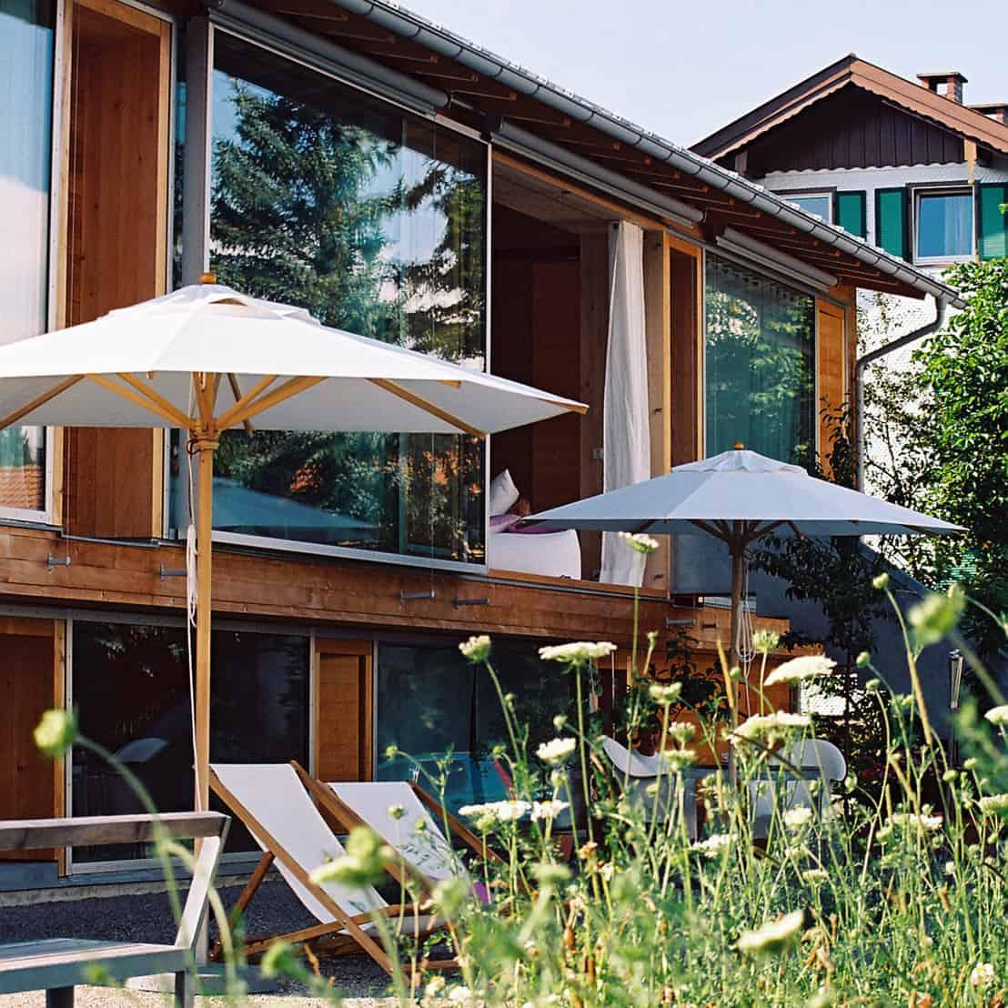 hausbau mit holz nachhaltig und wohnlich. Black Bedroom Furniture Sets. Home Design Ideas