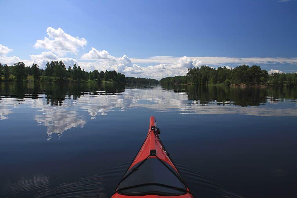 Sportlich neue Ufer erkunden - kein Problem, vor allem auf geführten Kanutouren