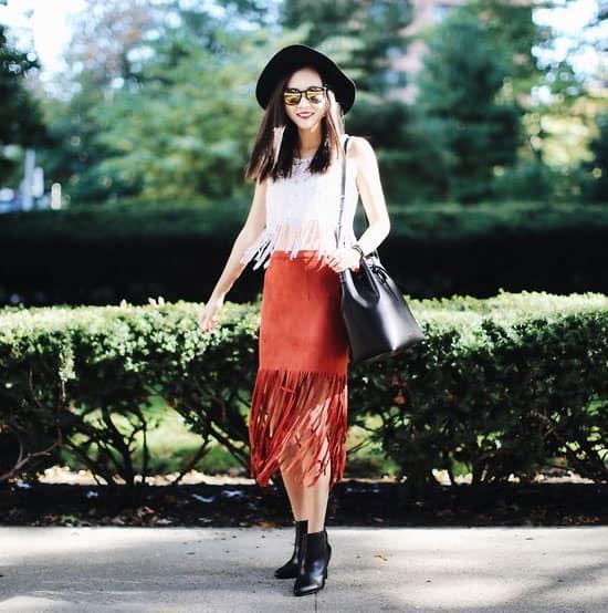 Selbst wadenlange Röcke lassen sich super zur Stiefelette stylen