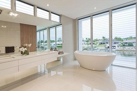 Die Badewanne macht ein modernes Badezimmer zur Wellnessoase ...