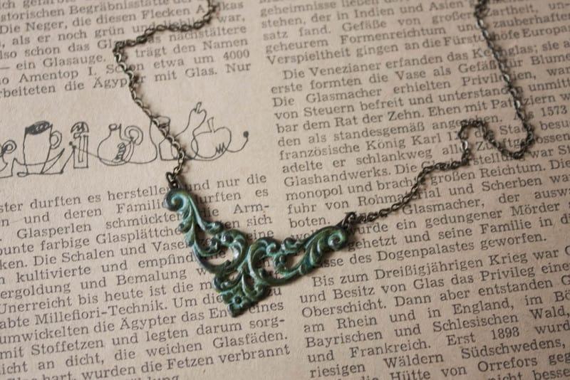 'Patinaornamentecke' Halskette 42cm