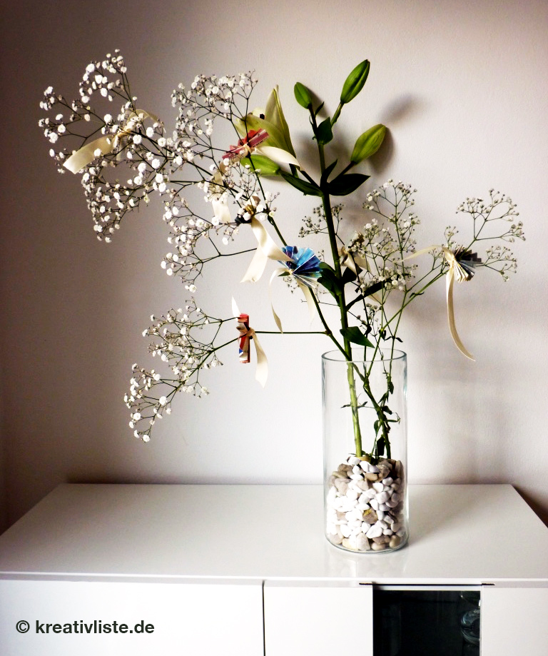 Geldgeschenk mit Schnittblumen