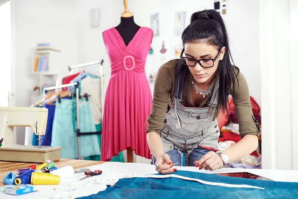 Disziplin, Fleiß und Engagement sind Grundpfeiler für eine Karriere als Modedesigner
