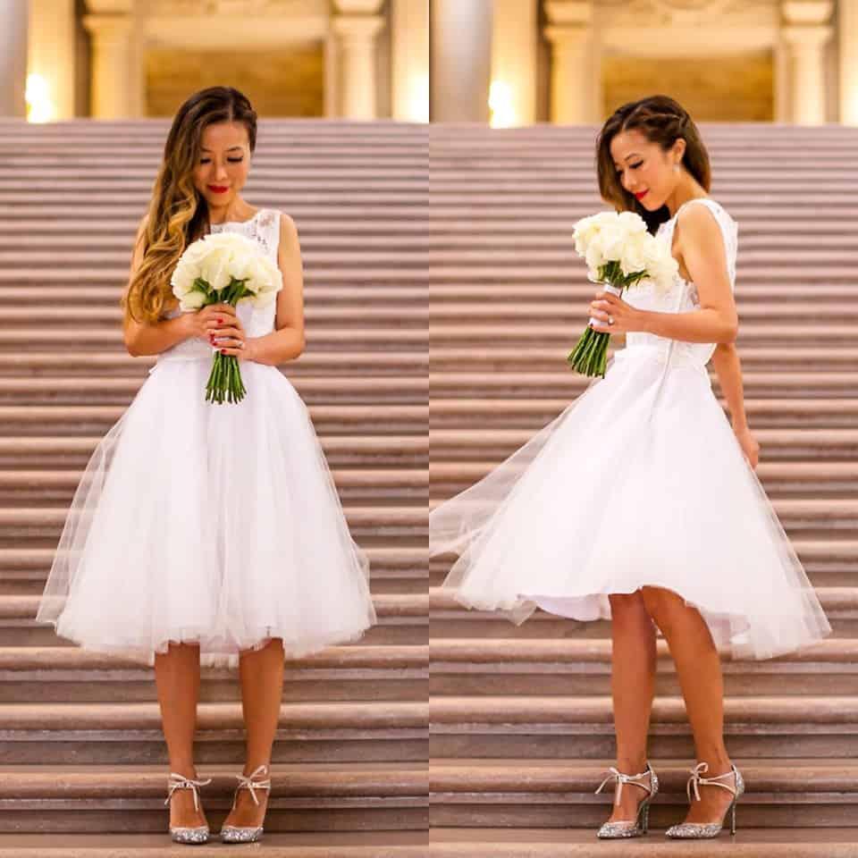 Im Sommer ist ein kurzes Hochzeitskleid eine schöne Alternative