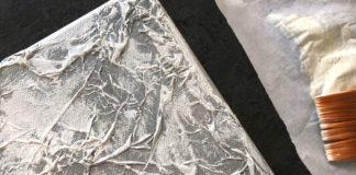 Struktur auf Leinwand bringen mit Seidenpapier
