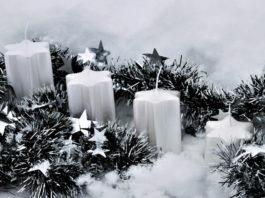 Schöne Adventsgestecke werden oft mit Tannengrün hergestellt