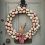 Osterkranz mit vielen Eiern