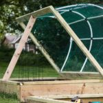 Dach für Hochbeet schützt vor zu viel Sonne und Regen