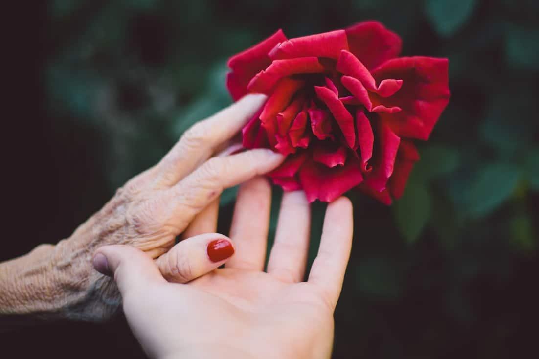Mit einem besonderen Geschenk zeigen wir unserer Mutter, dass wir sie schätzen