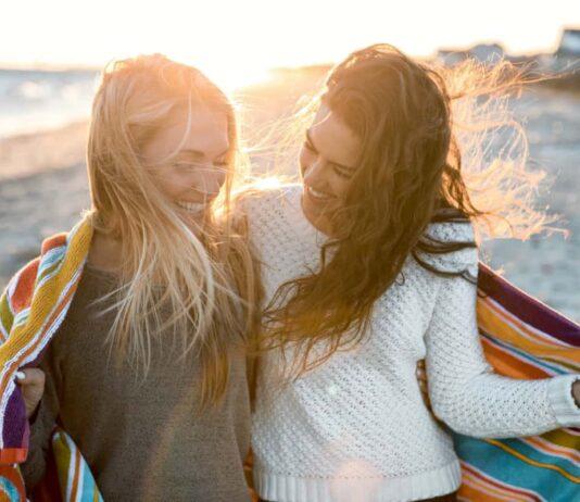 Glücklich ist der, der Freundschaften und die Partnerschaft pflegt